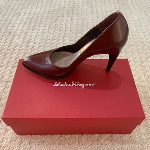 Salvatore Ferragamo Brown Burgundy Heels